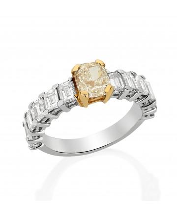 Anel Diamante Branco e Yellow